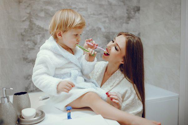 مراقبت از دندان شیری-دندانپزشکی زهره